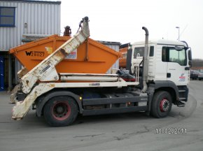 Absetzcontainerfahrzeug